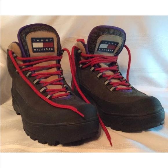 dd47e764910e0 Vtg 90 s Tommy Hilfiger 3M Grail reflective boots.  M 5b4b48d0c617776cc9905465